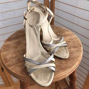 sz 38 Massimo Dutti T-strap silver & gold sandals